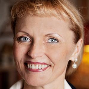 Dr Charlotte Beck