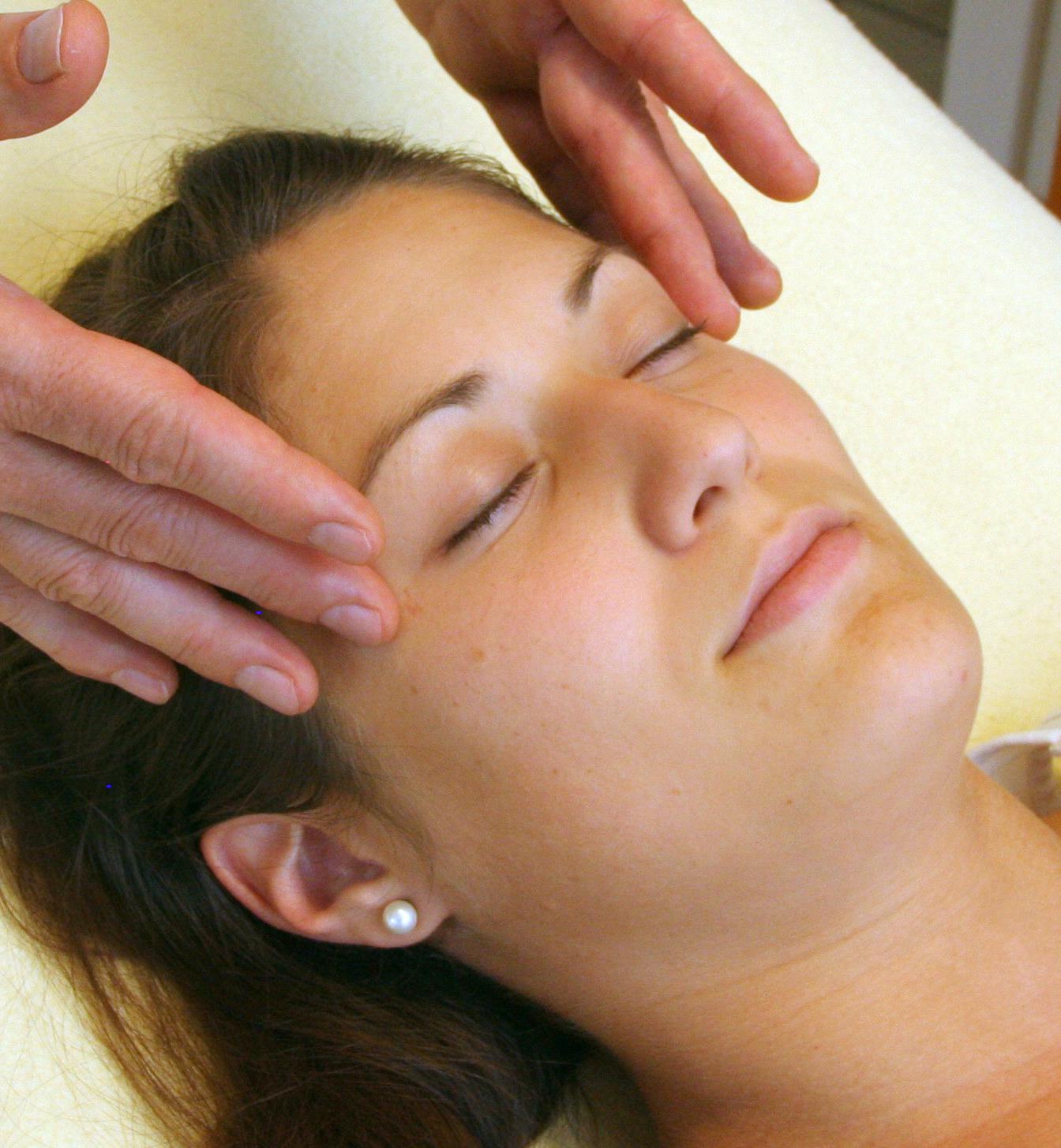 Apanga Marma Face Massage