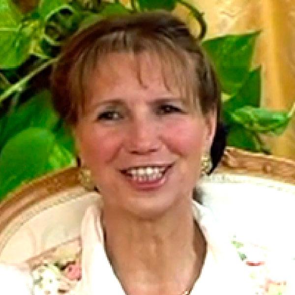 Dr Karin Pirc